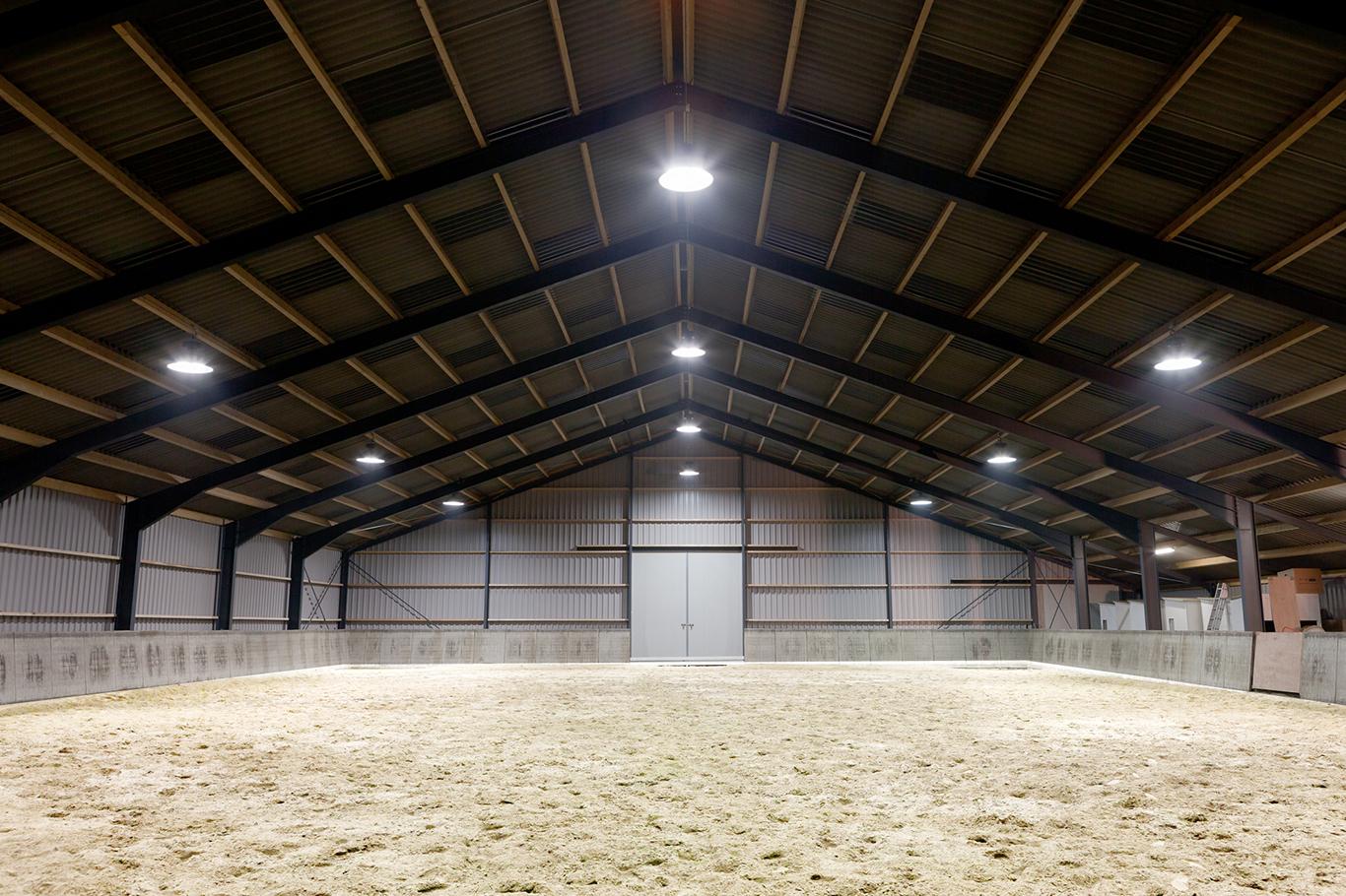 Eco-line3 LED en Inductie verlichting voor maneges.